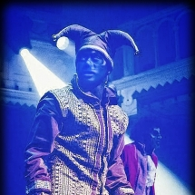 mickael-dancer-fright-right-freaks-on-ghosts-on-stage
